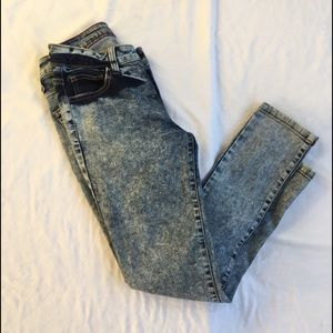 Cello Jeans acid wash skinny jeans size 3 EUC
